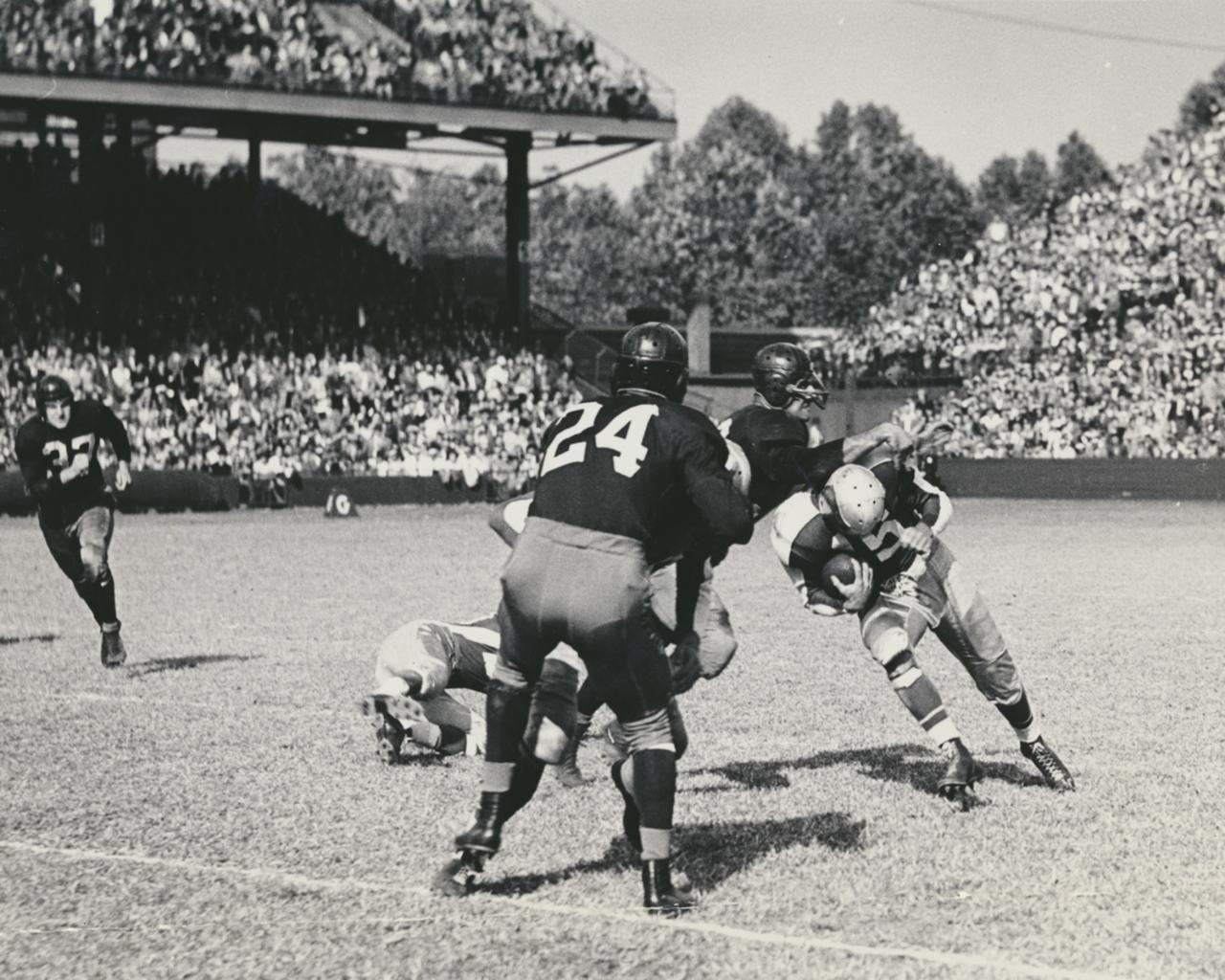 Philadelphia (Steve Van Buren carrying the ball) at