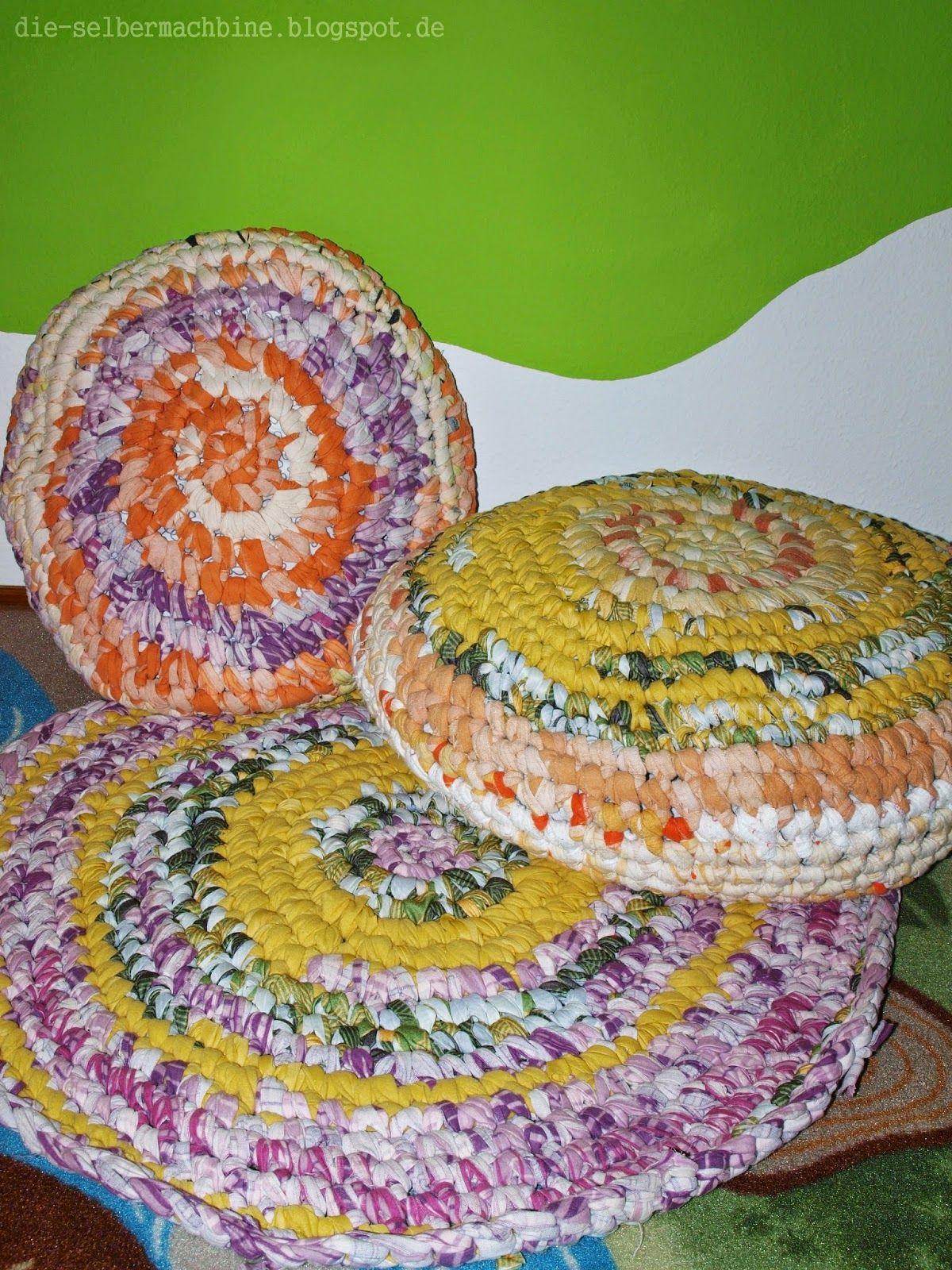 Sitzkissen aus alter Bettwäsche und Stoffresten / Pillows crocheted ...