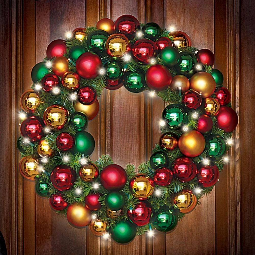giant outdoor lighted wreath