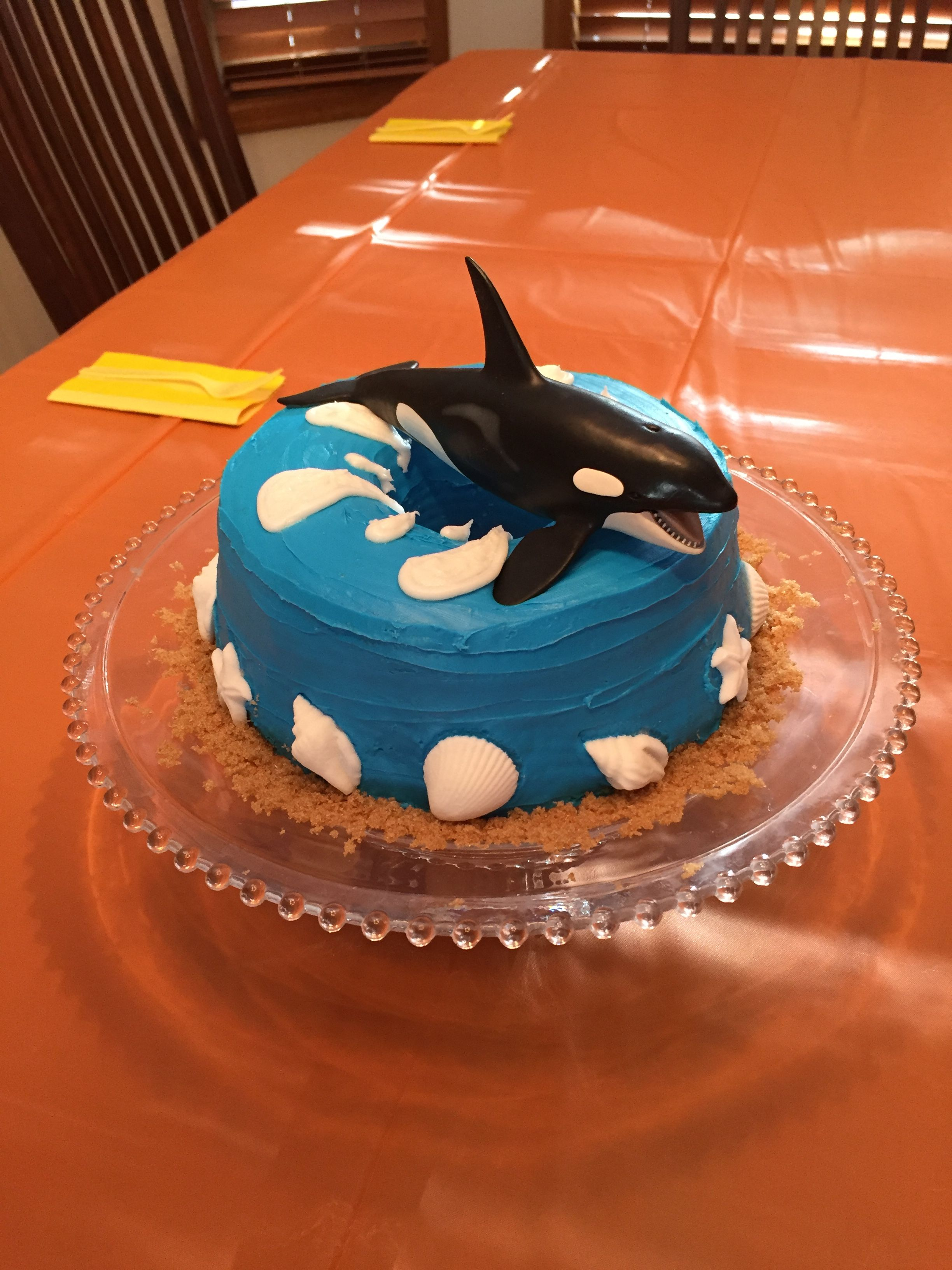 Killer Whale Orca Birthday Cake Frost An Angel Food Cake With