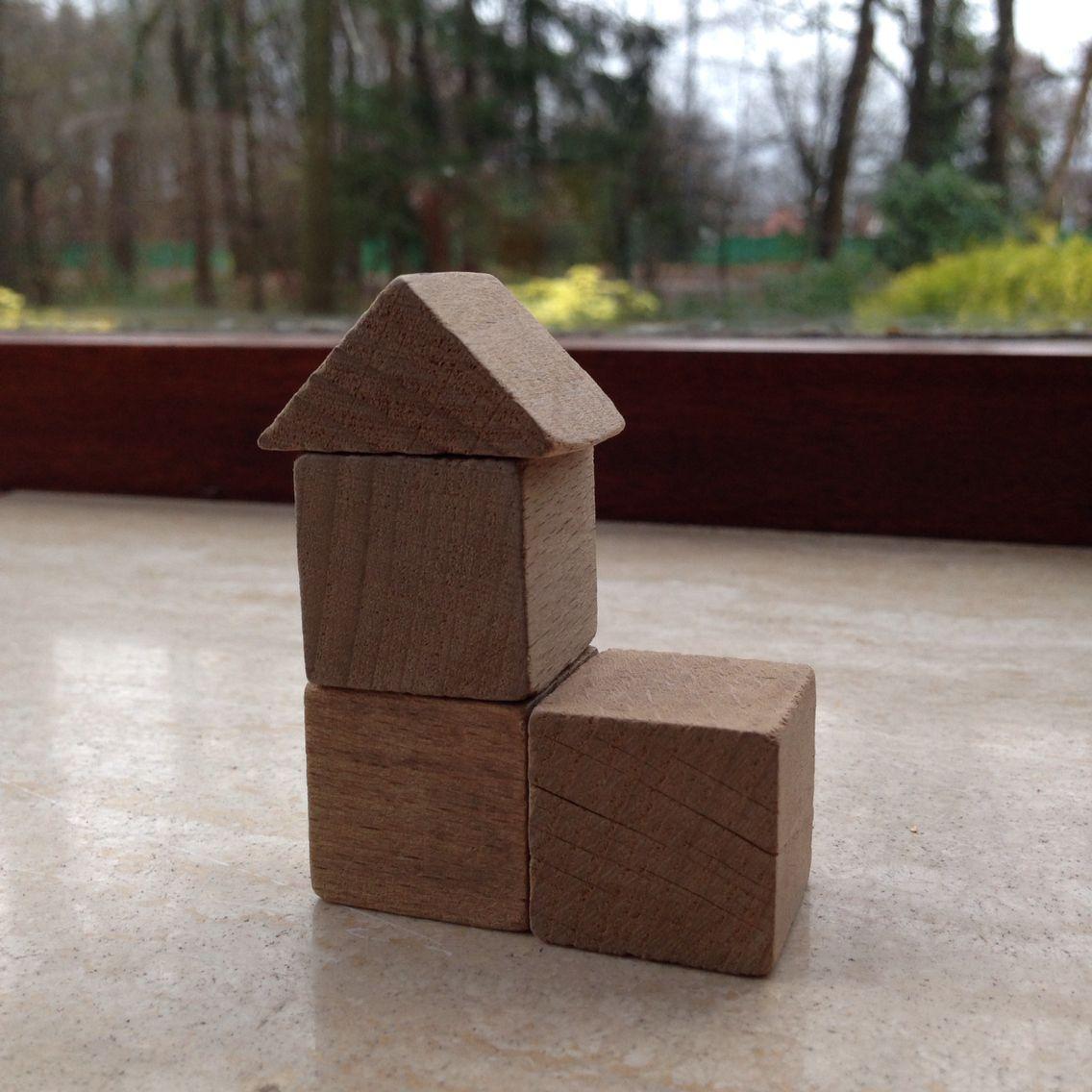 Bouwen met kubus en halve kubus. 8.