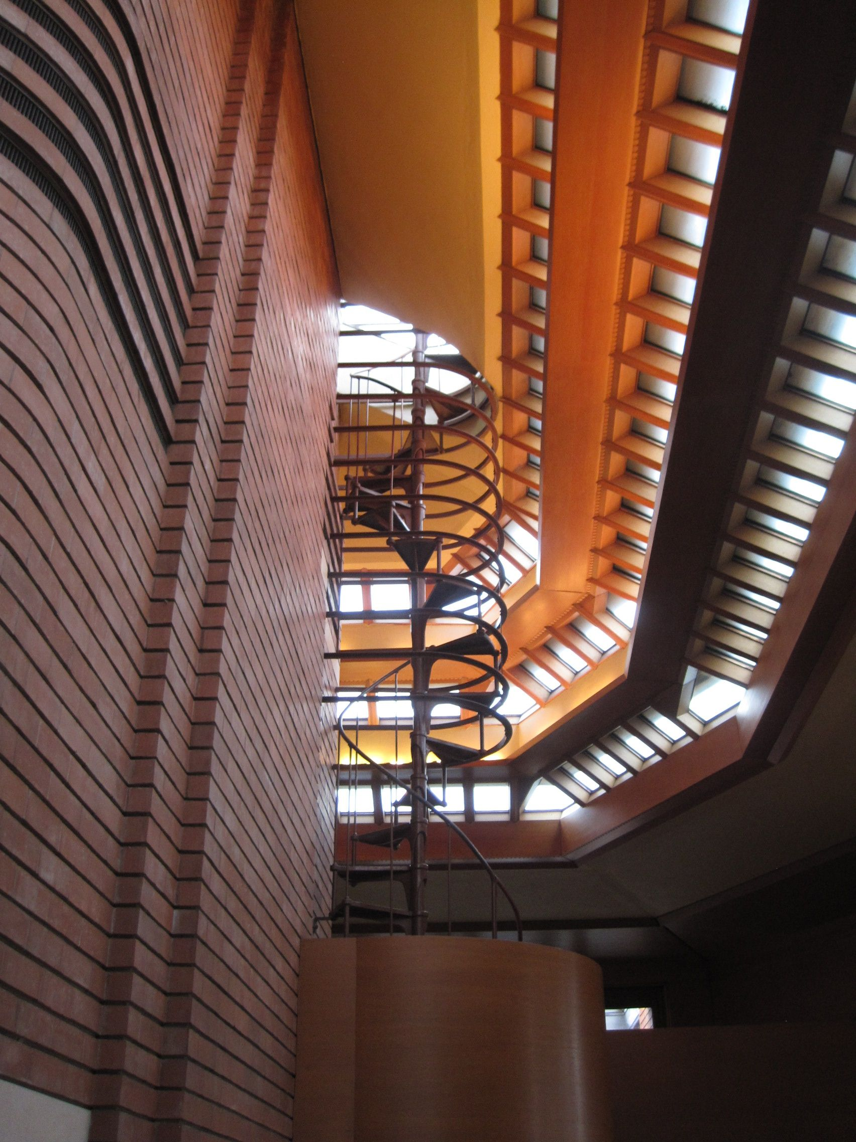 Wingspread In Racine, WI By Frank Lloyd Wright #franklloydwright  #wingspread #chicagoarchitecturebiennial #stairs