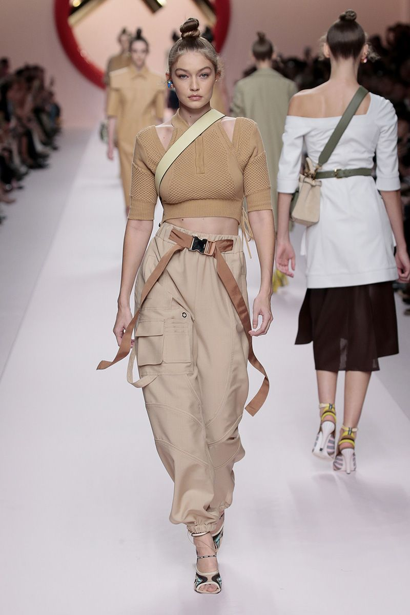 54ca1635 Fendi Women's Spring/Summer 2019 Fashion Show | Fendi Women in 2019 ...