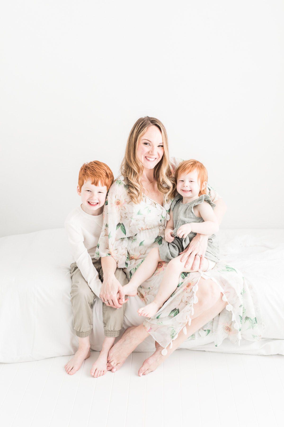 Molenaur Motherhood Session Akron Family Photography Erin
