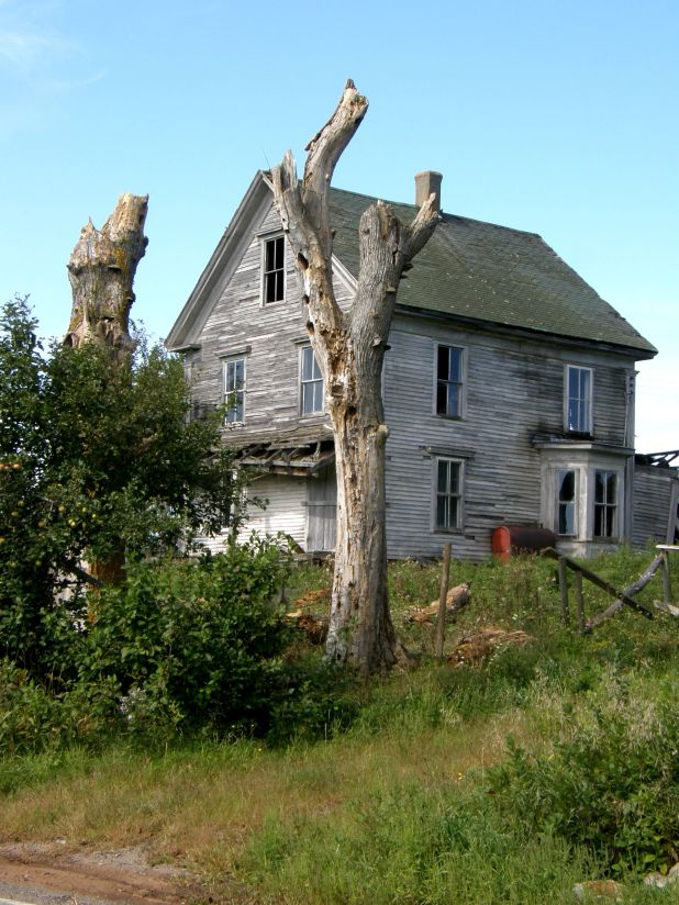 Brilliant Abandoned House Near Kentville Close To The Bay Of Fundy In Interior Design Ideas Inamawefileorg