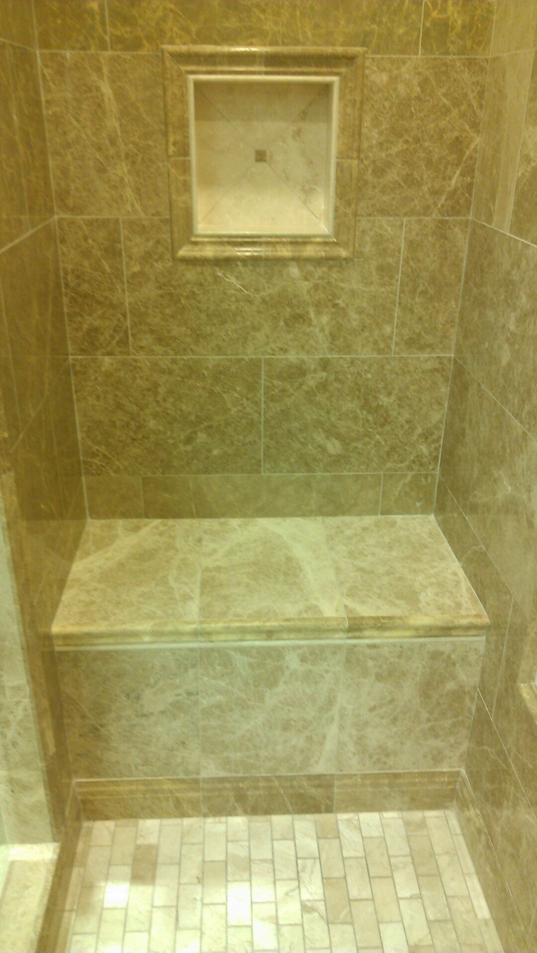 Travertine Shower with a Niche and a Travertine Bench | Bath ...