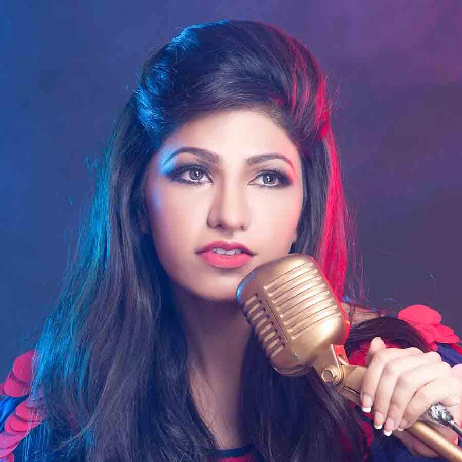 Tulsi Kumar Wallpapers Tulsi Beautiful Bollywood Actress Singer