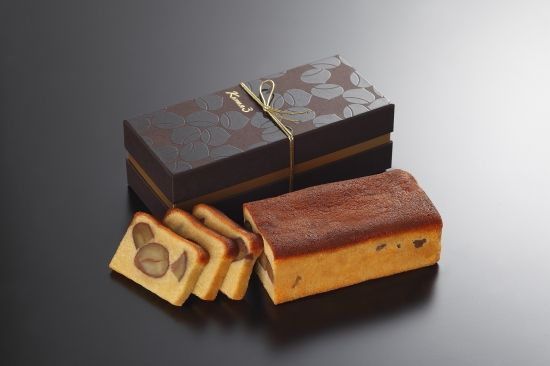 お歳暮やお中元をはじめ、接待の手土産にも最適な高級感溢れる菓子「銀座くろまめへしれけーき」の販売サイトです。日本料理店こだわりの逸品は引き出物や内祝いにも重宝されています。