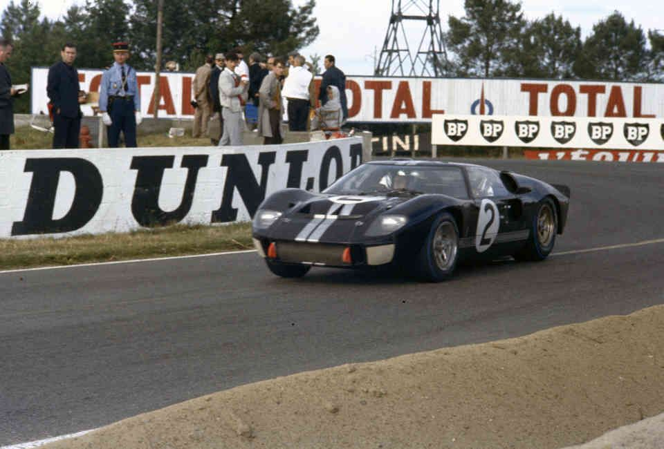 The Story Of The Ford Gt40 Told By 25 Rare Photos Of Le Mans
