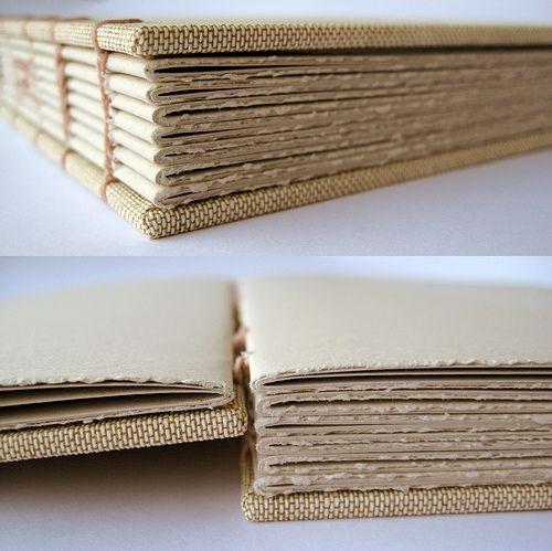 Detalhe da costura copta by Zoopress studio, via Flickr