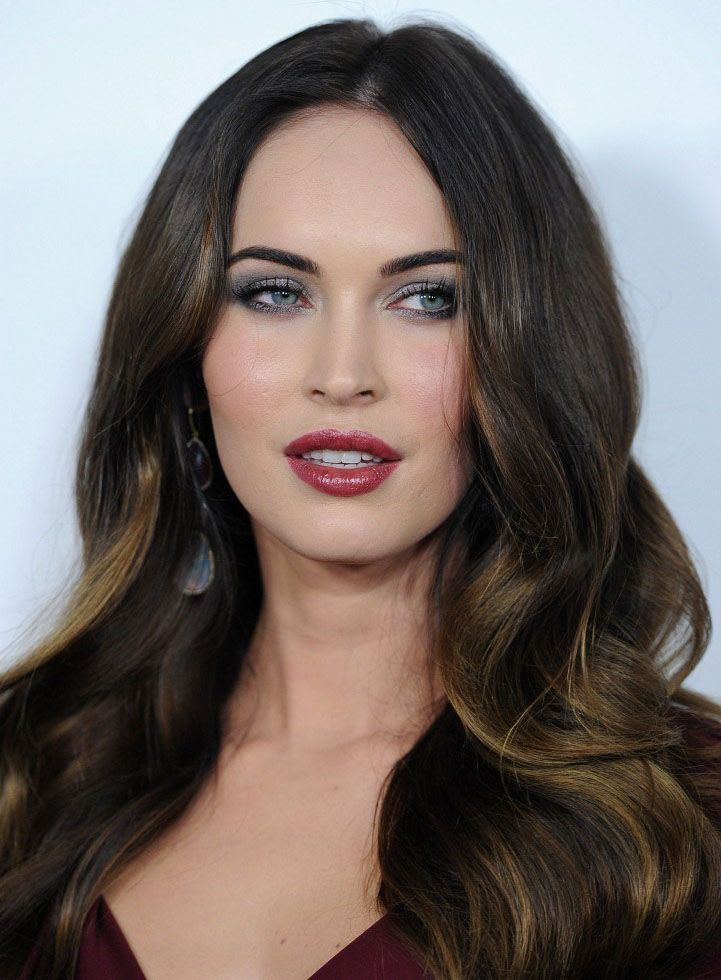 Megan Fox - Showbiz Profiles   Capelli lunghi idee, Donne ...