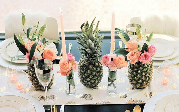 centerpieces mal anders ananas als blumenvase t a b l e pinterest tischdeko gast und. Black Bedroom Furniture Sets. Home Design Ideas