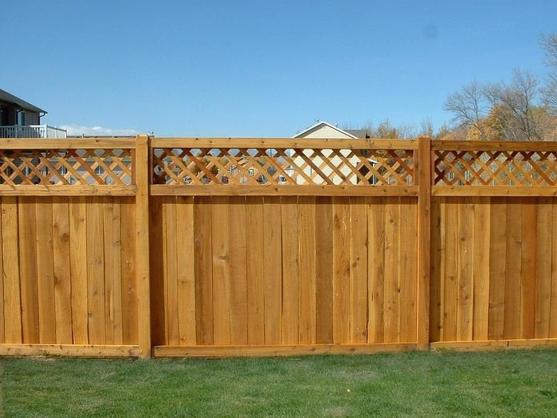 Wood With Lattace Privacy Fence Lattic Top And Full Lattice Style Fences Wood Fence Design Wood Fence Fence Design