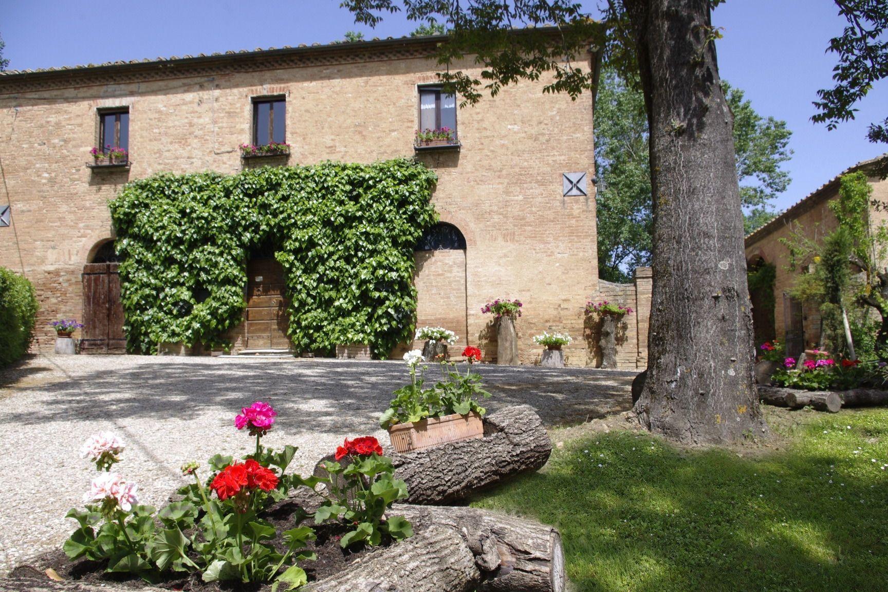 San Fabiano (With images) Tuscany villa, Vacation villas