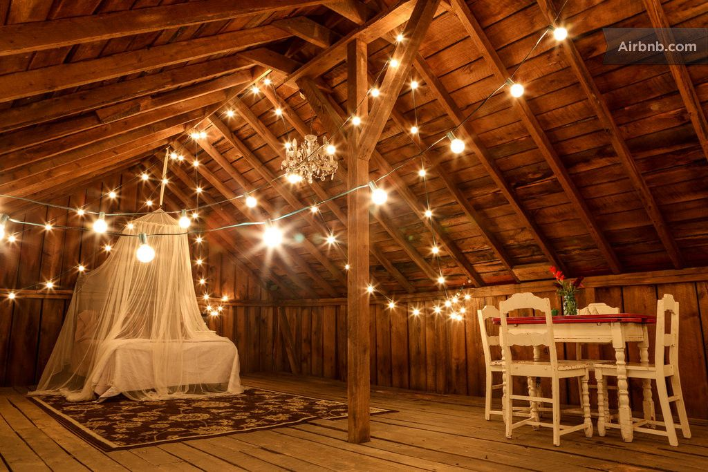 Charming Barn Loft (close to NRG) - Airbnb | Barn loft ...