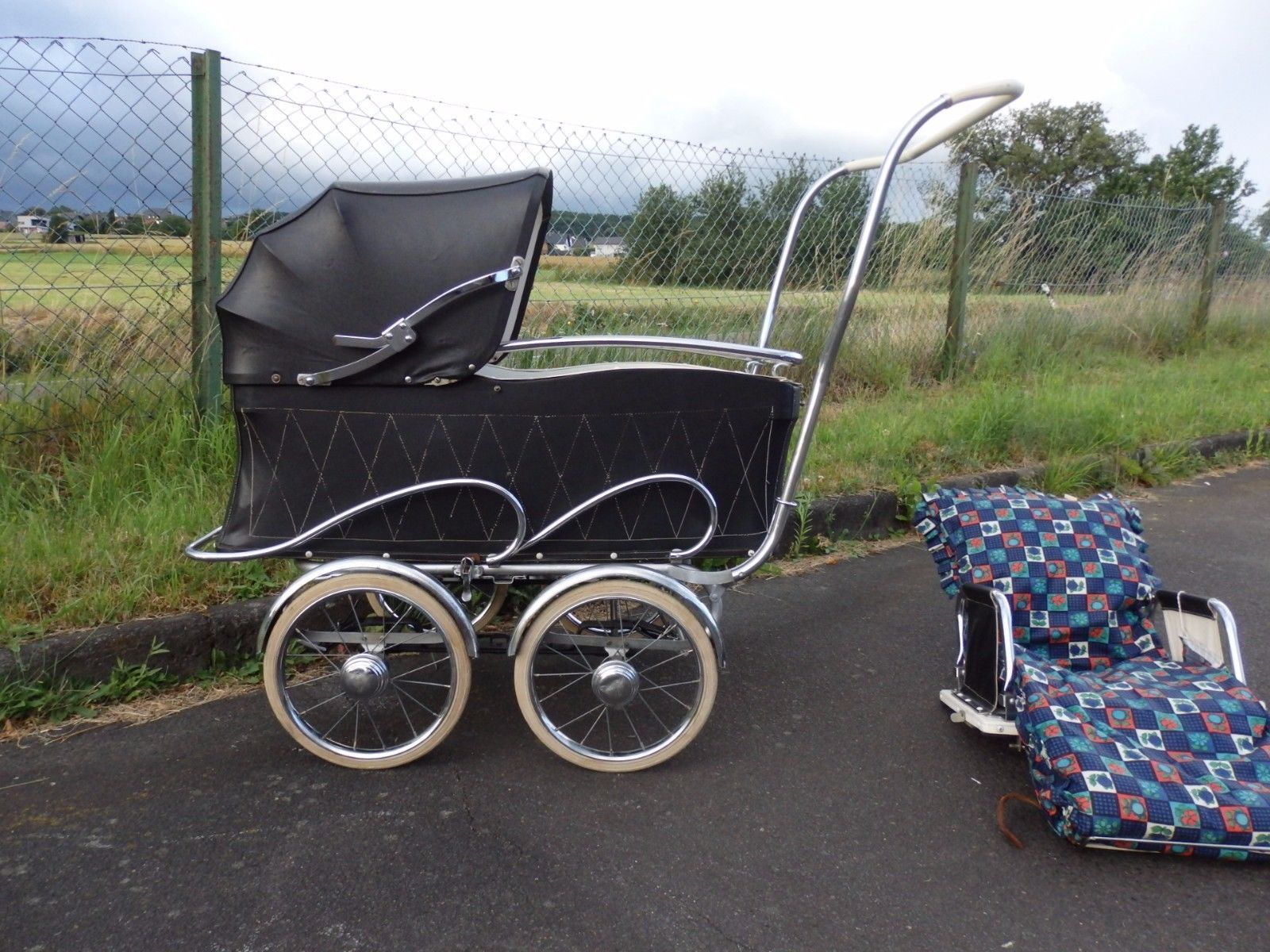 midcentury vintage pram rockabilly nostalgie kinderwagen sportwagen 50s nostalgie. Black Bedroom Furniture Sets. Home Design Ideas