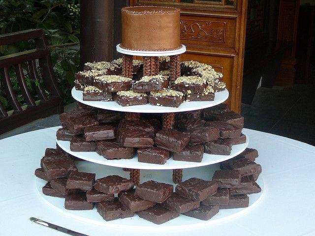Brownie Wedding Cake What A Wonderful Idea I Love Chocolate