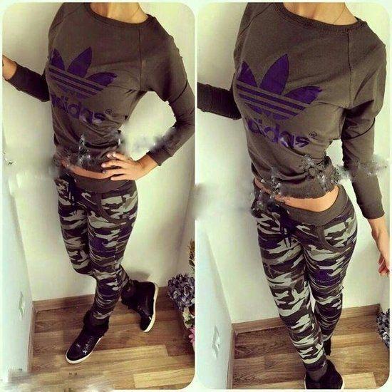 70bea3b80279 jogging chanel - Recherche Google   Tracksuits   Fashion, Womens ...