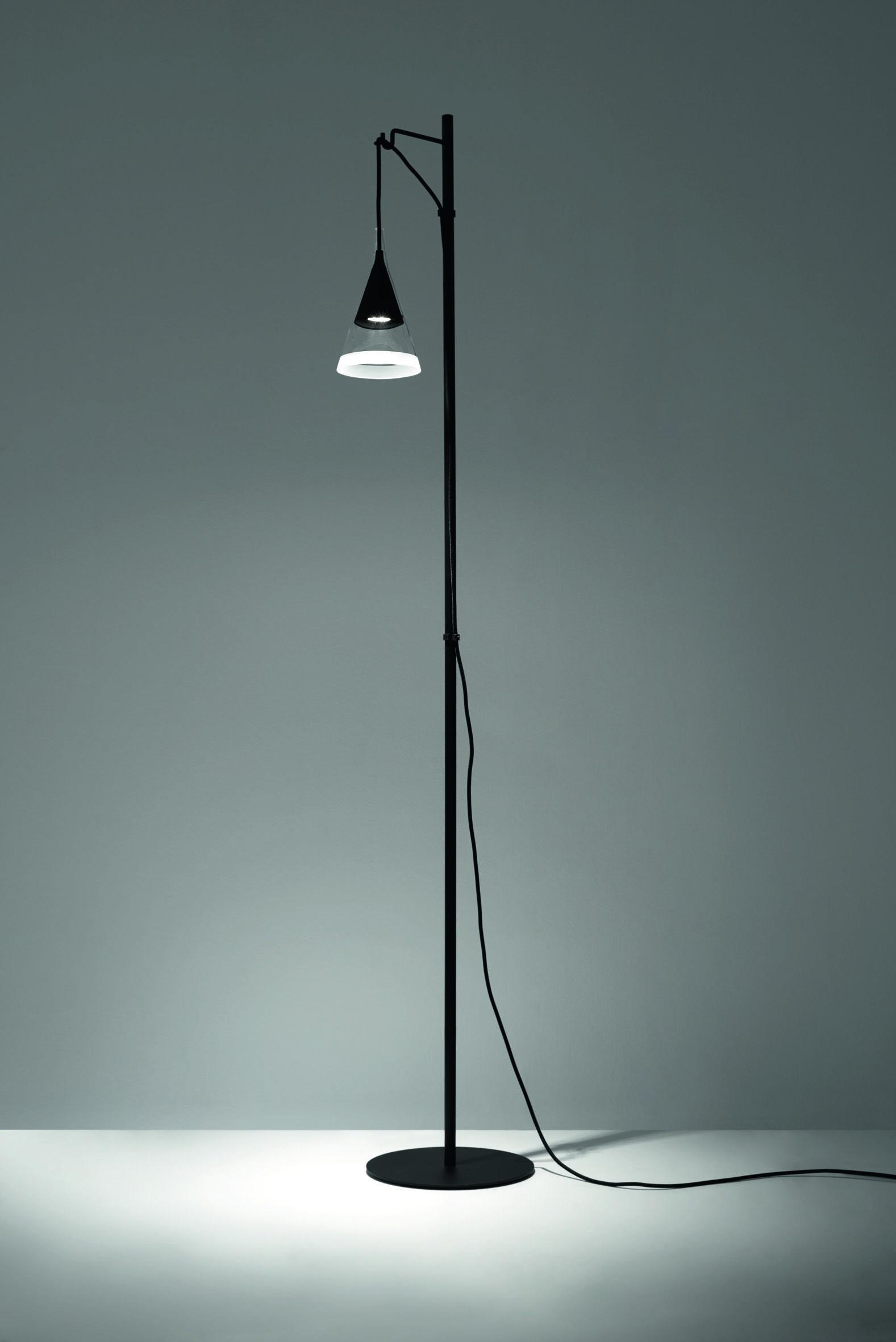 die besten 25 stehleuchte design ideen auf pinterest diy stehlampe stehleuchte aus kupfer. Black Bedroom Furniture Sets. Home Design Ideas