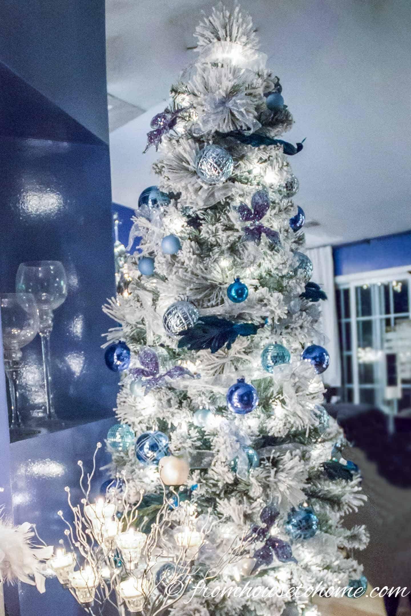 15 Elegant Christmas Tree Decorating Ideas Glam Christmas Tree Elegant Christmas Tree Decorations Elegant Christmas Trees