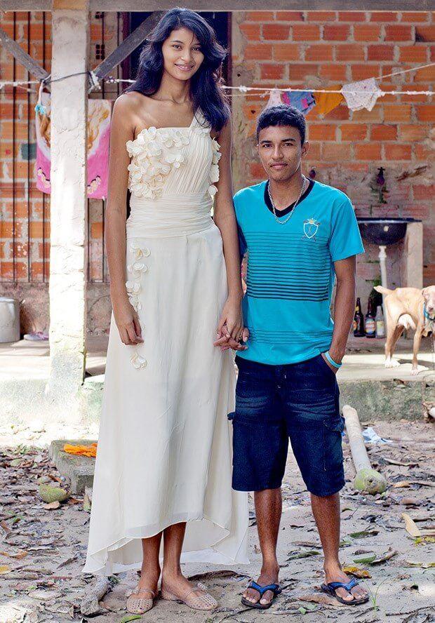 The Worlds Tallest Teen (8 pics)