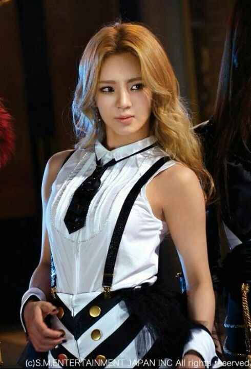dancer hyoyeon looking more pretty as time goes by