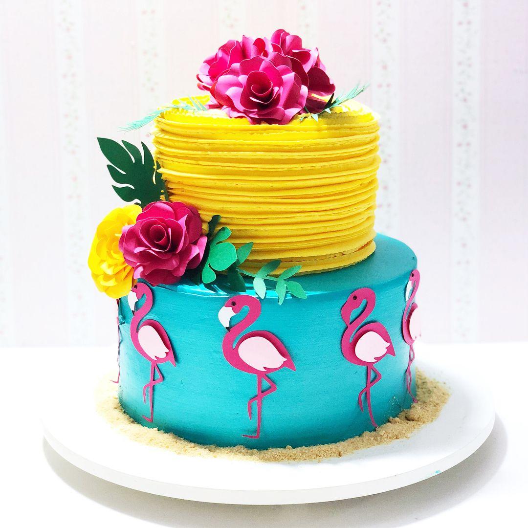 """08ce3718ebe25 Chef Nicole Santos no Instagram  """"Torta em chantininho tropical  cakeart   tropical  flamingo  arteemchantininho  cake  bolospersonalizados   festatropical"""""""