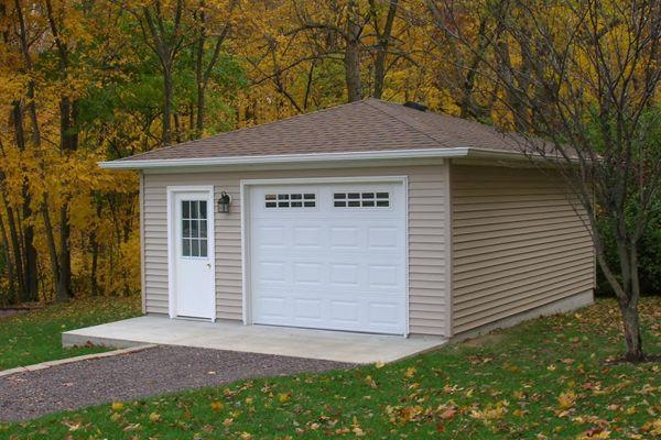 Best Hip Roof Garage In Decatur Illinois Coach House Garages 400 x 300