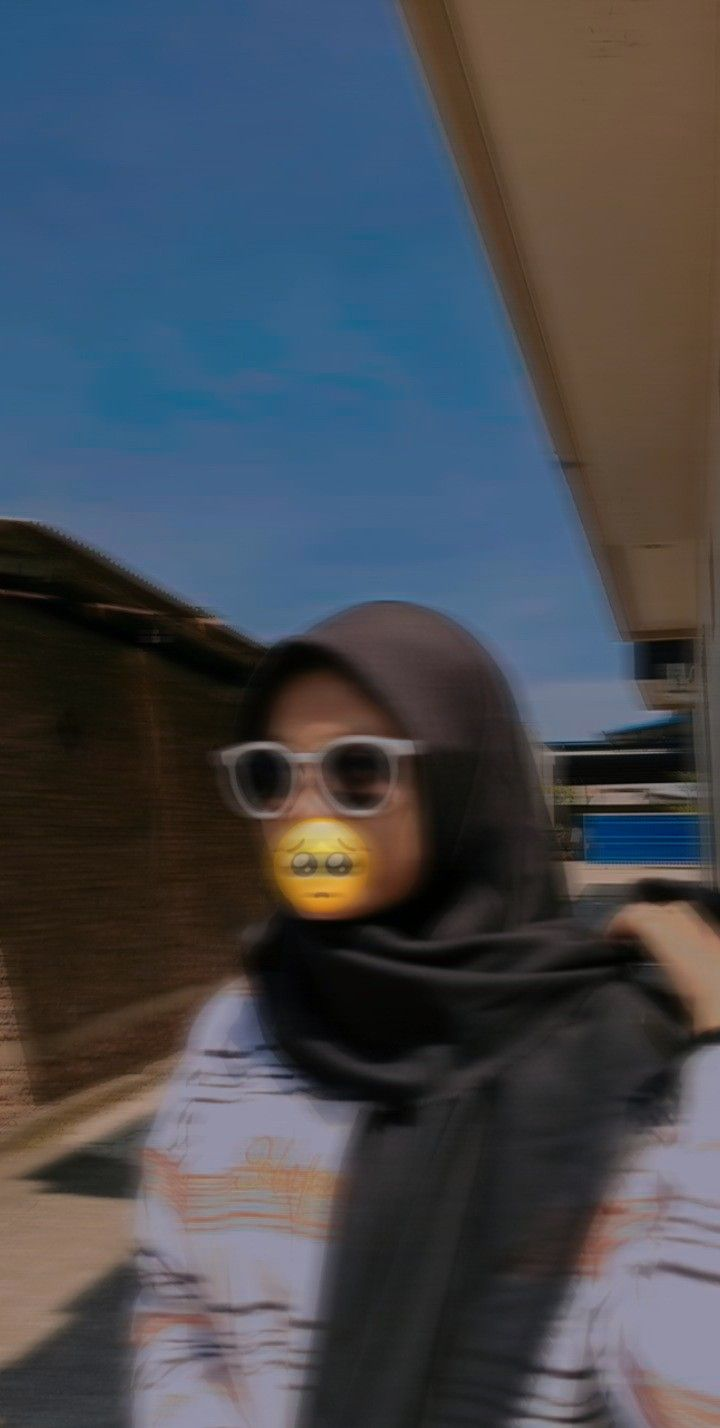 Foto Aesthetic Orang Hijab Blur Tempat Wisata Indonesia