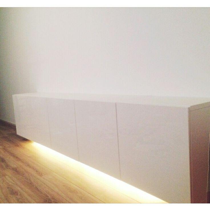 ikea besta mit led leuchten darunter f r mein projekt in. Black Bedroom Furniture Sets. Home Design Ideas