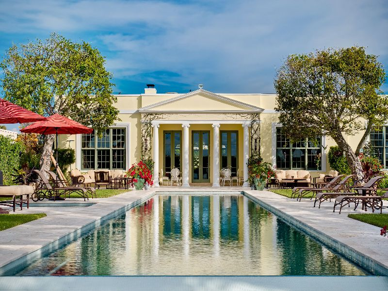 Luxury real estate experts share 5 tips for buying a multi for Luxury million dollar homes