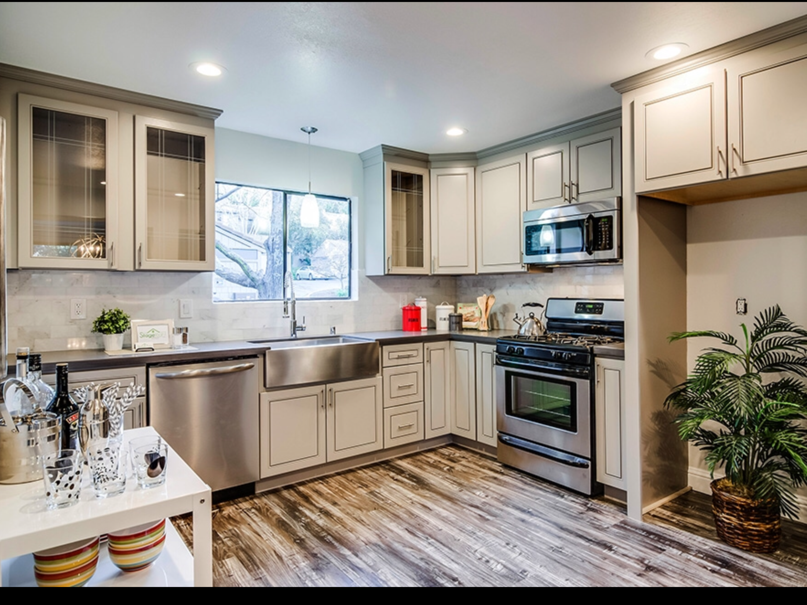 Idea by abc kitchens on Greige Maple Cabinets | Kitchen ... on Countertop Colors For Maple Cabinets  id=94574
