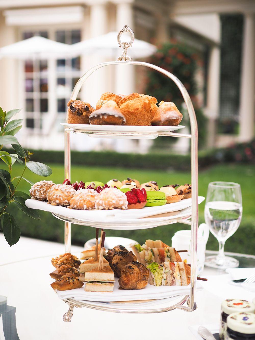 Afternoon tea at Le Bristol Hotel, Paris // In my ballerines