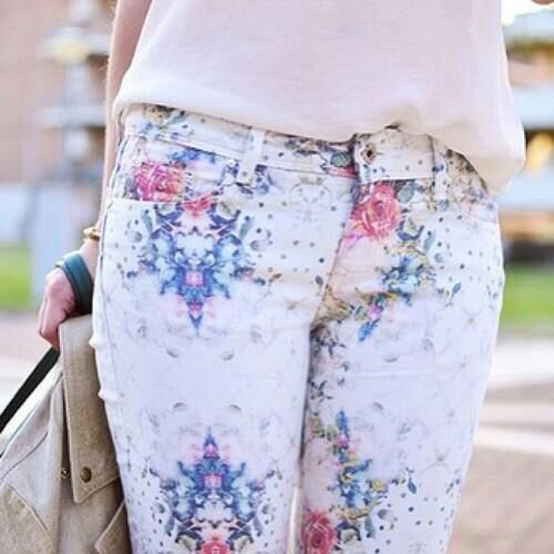 Nice jeans! #Jeans #Flowers