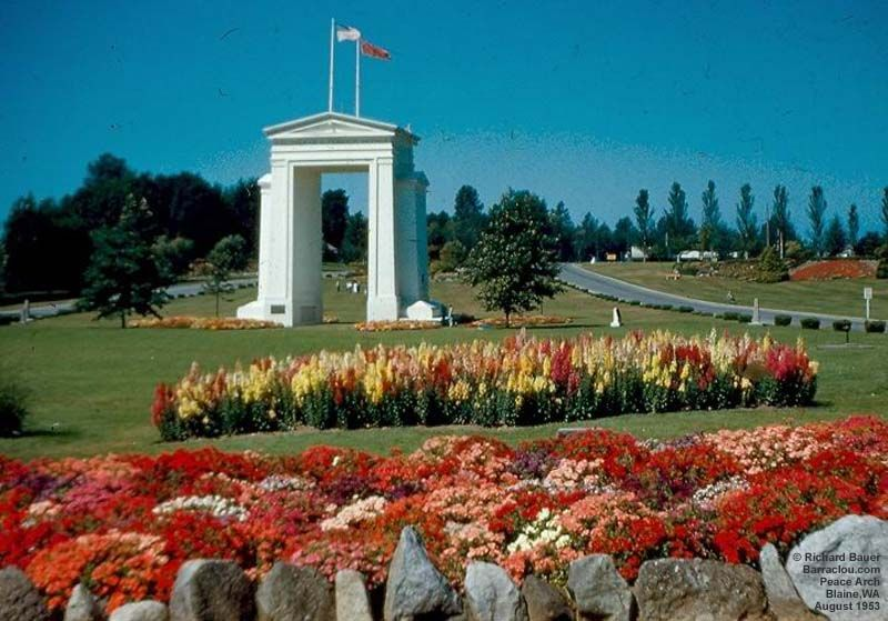 Peace Arch U S Canadian Border From Seattle To Vancouver Arches Park State Parks Tourist