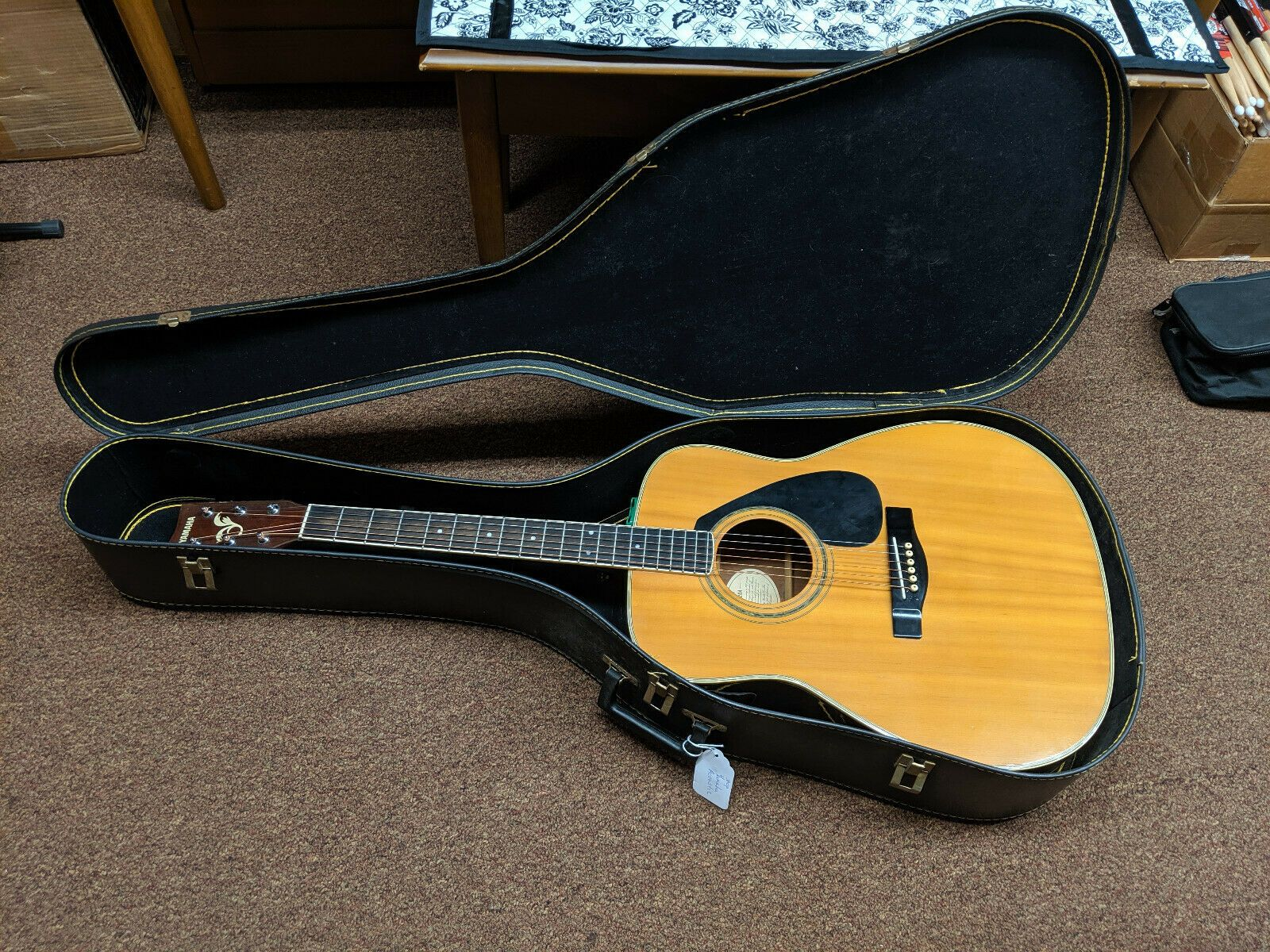 Details About Yamaha Fg 420a Acoustic Guitar With Hard Case Used Local Pickup In 2020