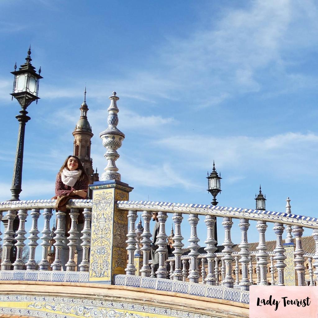 Plaza de España #sevilla #patrimonio #heritage #arquitectura #architecture #arabe #andalucia #viajes #spain #españa #travel #trip #sitiosbonitos #viaje #beautifulplaces #lugaresconencanto #pueblosbonitos #city #plazaespaña #plazadeespaña #ceramica #azulejos