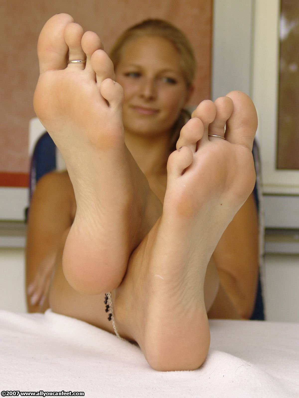 sexy white girl feet