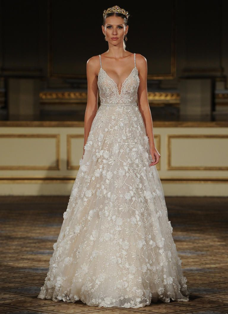 Wedding dresses for bigger figures  Elizabeth Smith elizabethma on Pinterest