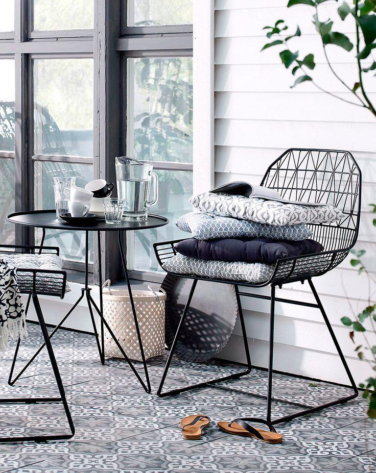 st hle und tisch von ellos ilknur top uo lu. Black Bedroom Furniture Sets. Home Design Ideas