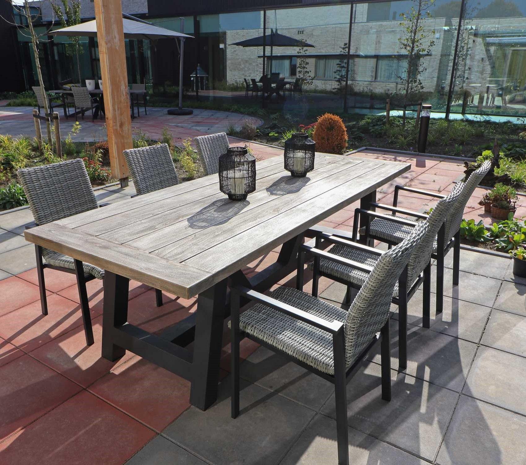 Onwijs Moderne tuinset met de combinatie van hout en staal. De houten VG-91