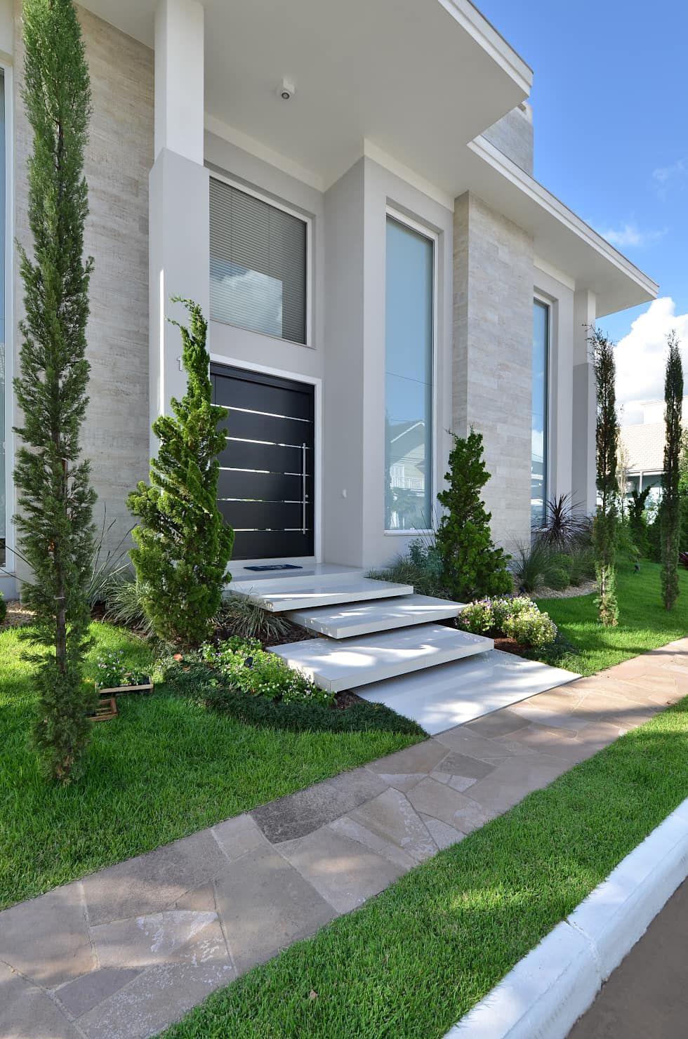 Detalhe acesso porta principal por andr pacheco - Jardines exteriores de casas modernas ...