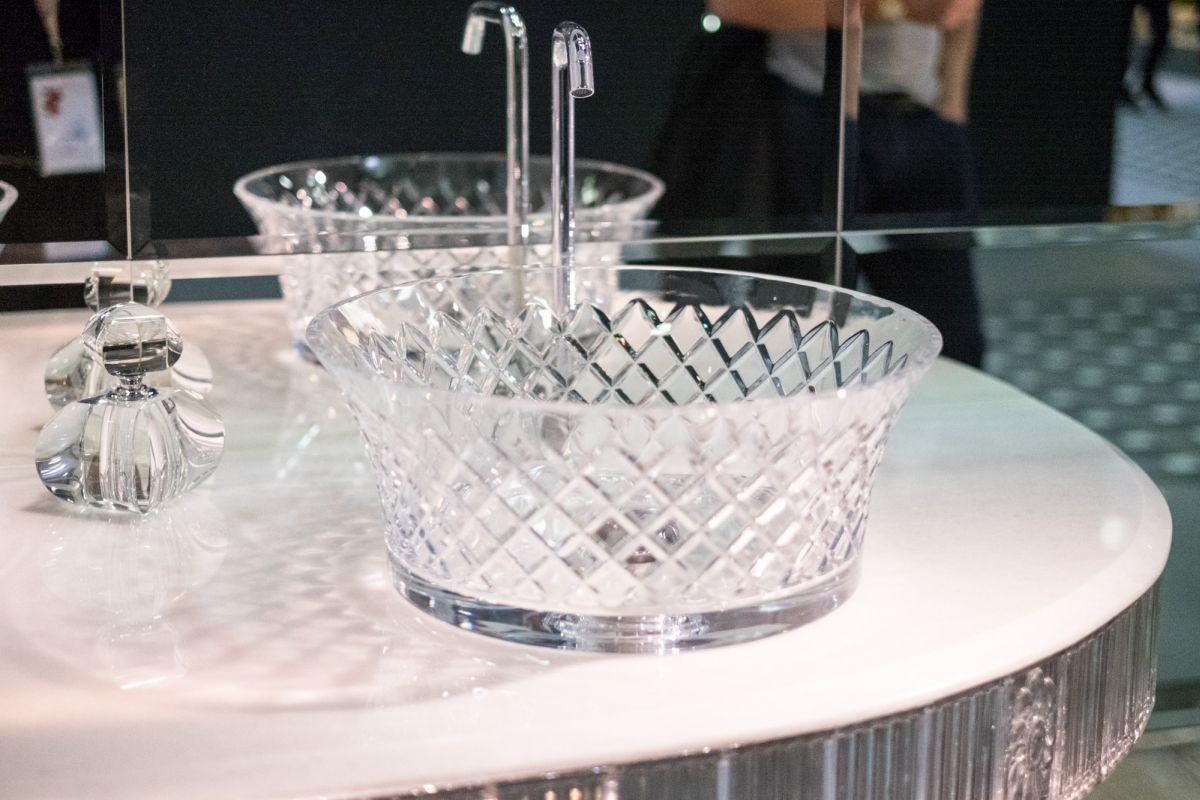 Exclusive Designs Worthy Of Luxury Bathrooms Everywhere ...