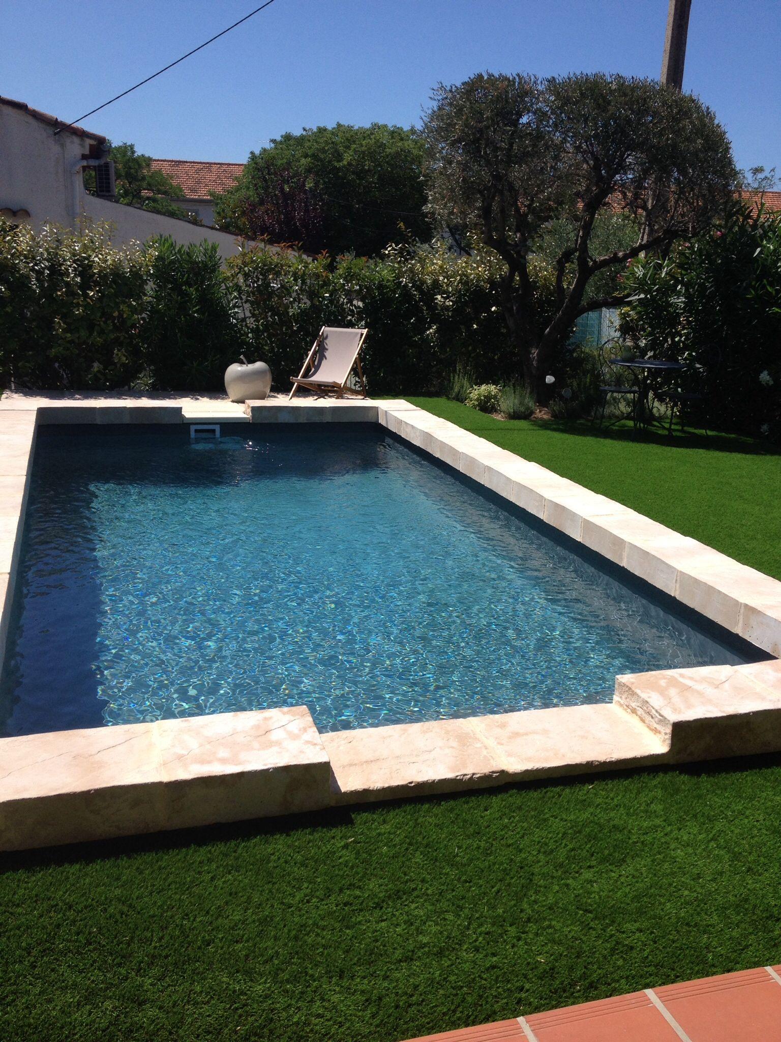 nage a contre courant desjoyaux carr bleu with nage a contre courant desjoyaux beautiful nage. Black Bedroom Furniture Sets. Home Design Ideas
