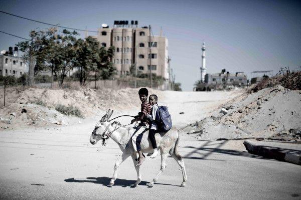 #PHOTO: Siblings on the way to school in Beit Lahiya