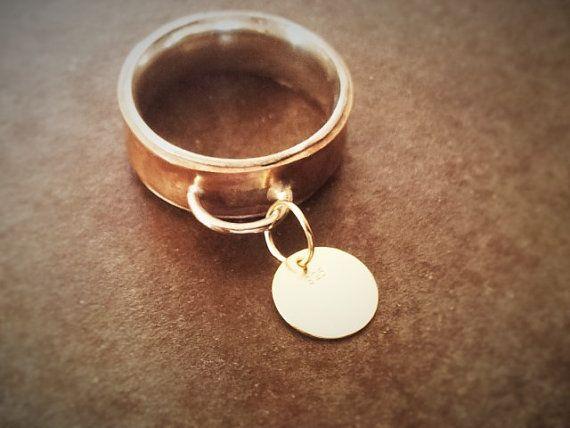 Anillo de cobre y plata con medalla movil de plata