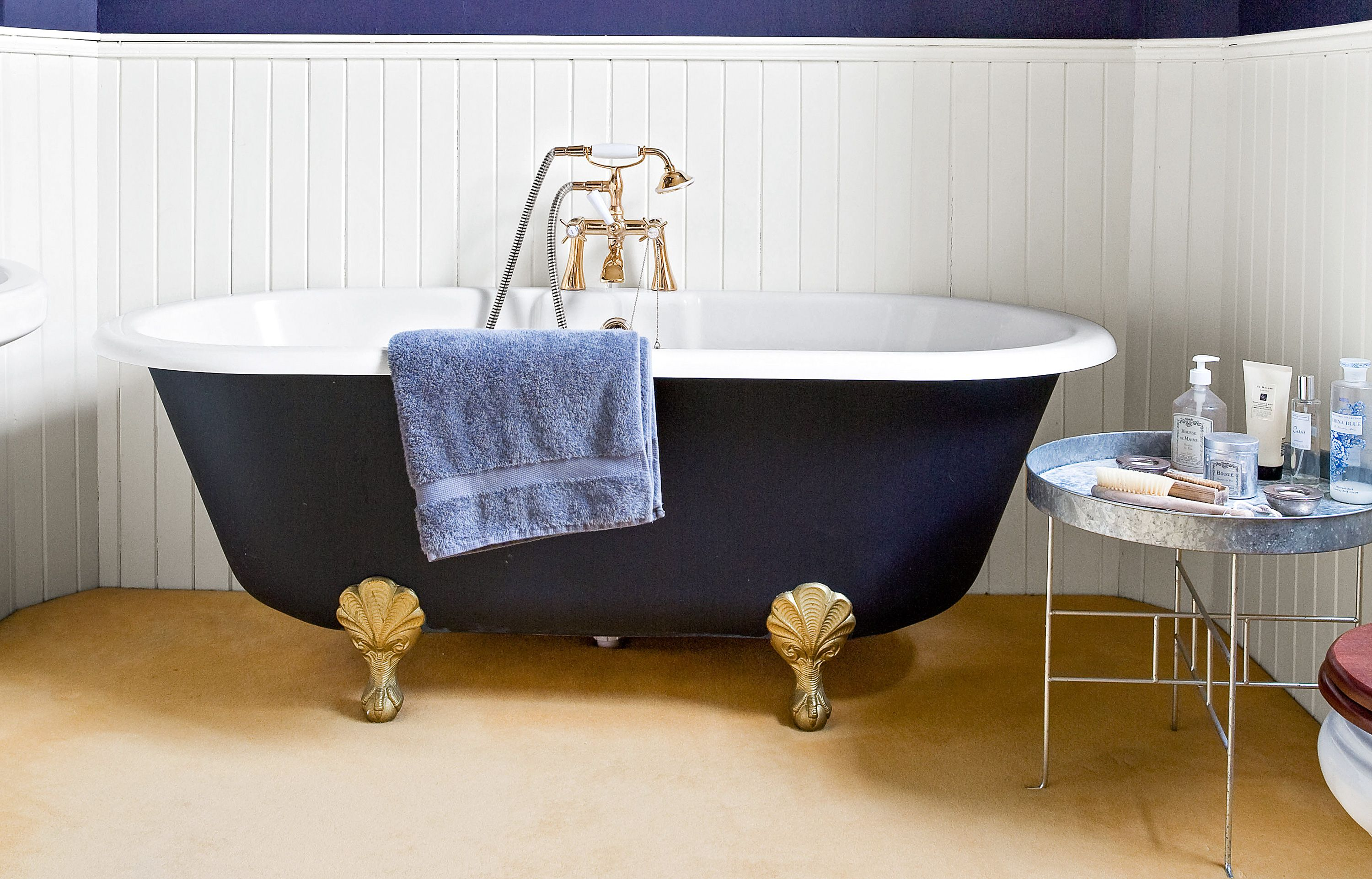 Paint Idea Colorize A Claw Foot Tub Bathroom Diy Painting