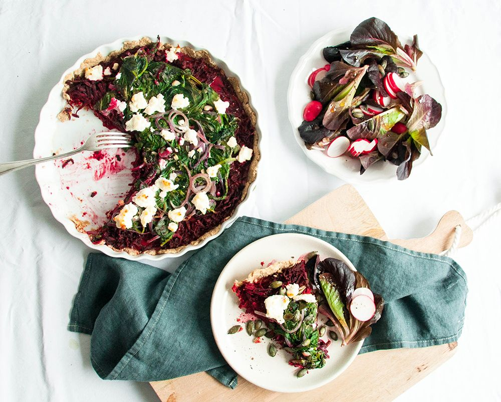 Summer on a plate: Spinach beetroot tart | recipe on www.lealou.me