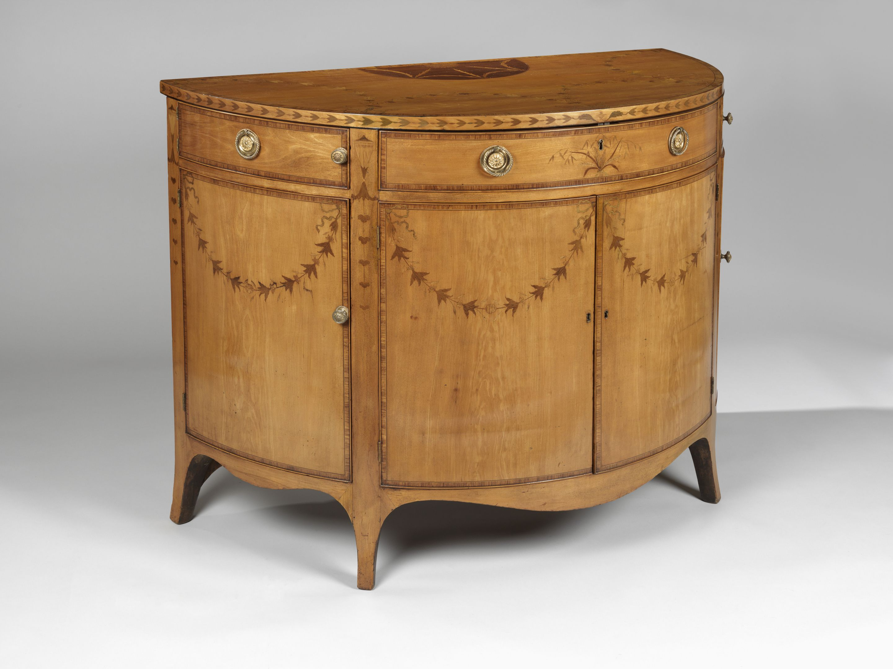 Hepplewhite Furniture - George Iii Hepplewhite Commode