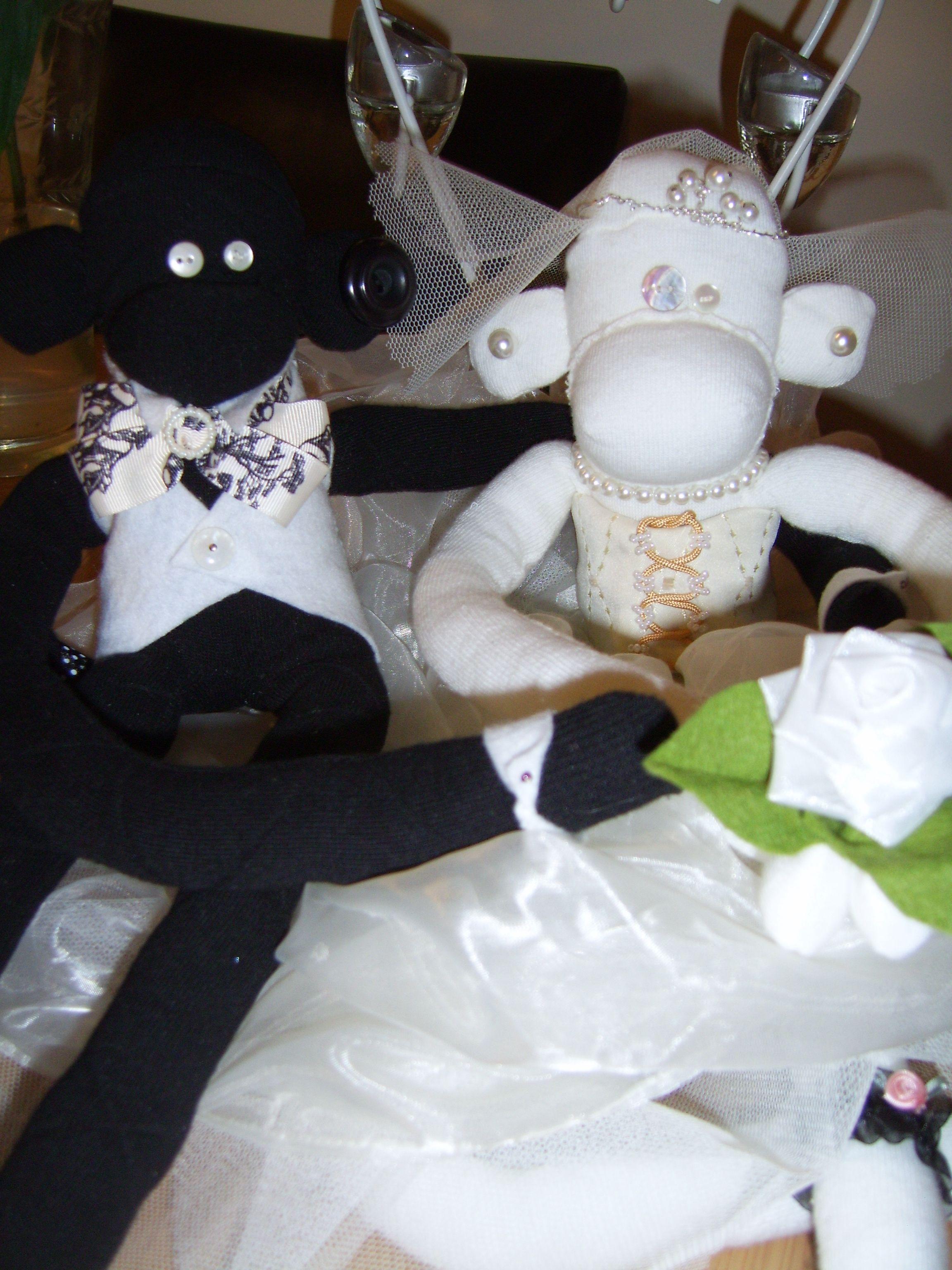 Monkey bride and groom <3